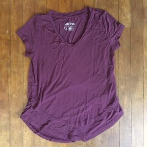Latched Mama V Neck Nursing Tee XS, wine